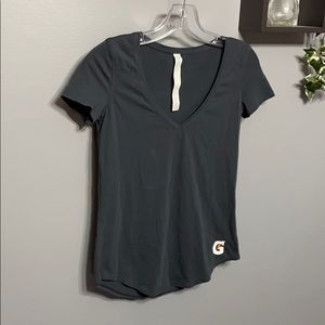 Lululemon Love Tee V with Gatorade Logo sz 2